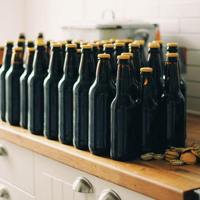Viele Flaschen Alkohol