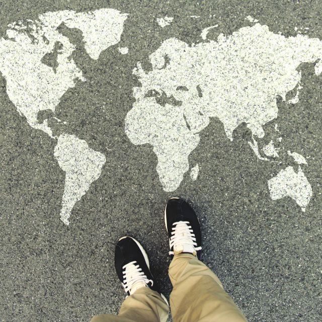 Weltkarte am Boden
