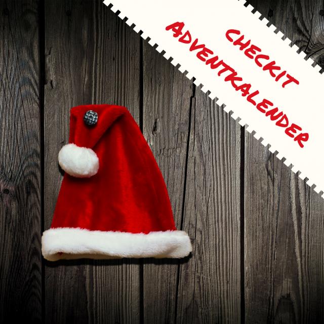 Weihnachtsmannmütze und checkit Adventkalender Schriftzug