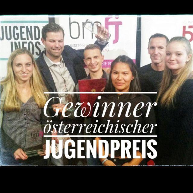 Ausgewähltes LOGO-Team bei der Verleihung des Österreichischen Jugendpreises 2017